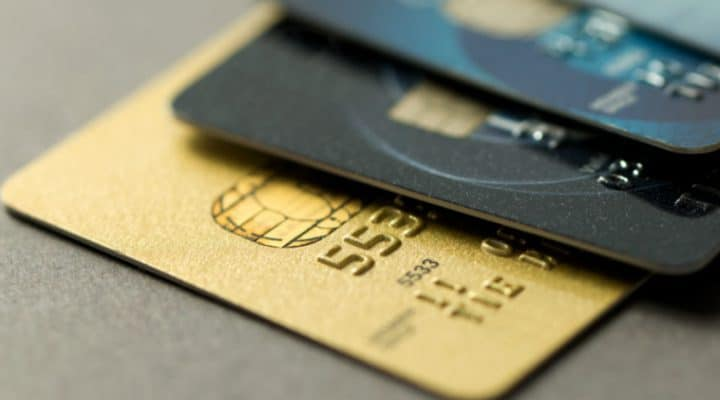 How to Select a Credit Card to Enjoy the Maximum Benefits?